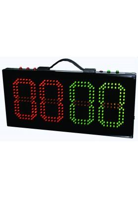 Elektroninis žaidėjų keitimo tablo su raudonais ir žaliais skaičiais