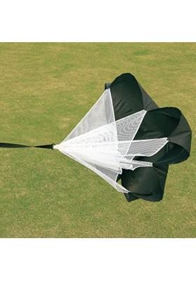 Juodas parašiutas  su baltu tinkleliu žolės fone